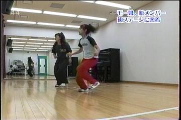 ダンスレッスン中の小春ちゃん