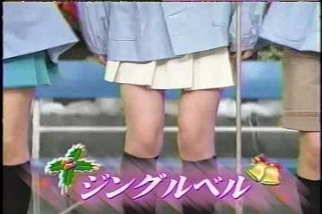 さゆの脚ハァ━━━━━━;´Д`━━━━━━ン!!!!