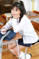 塩沢みゆきちゃんのミニスカ制服